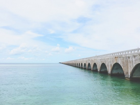 Мост в море